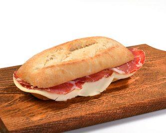 Fc Food - Ciabatta Montanara farcita con Coppa, Formaggio Filante e gustosa Salsa Rucola